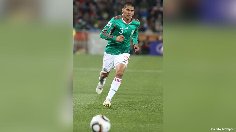 14 futbolistas con más partidos en la Selección Mexicana carlos salcido.jpg