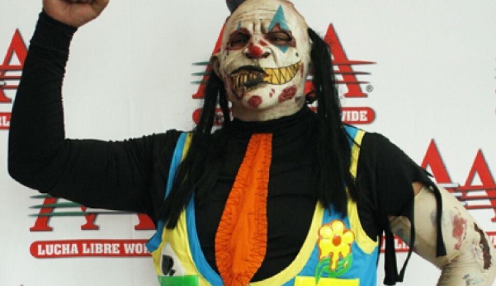 Monster Clown perdió la máscara.