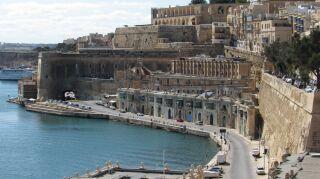 vista isla de  malta y la costa