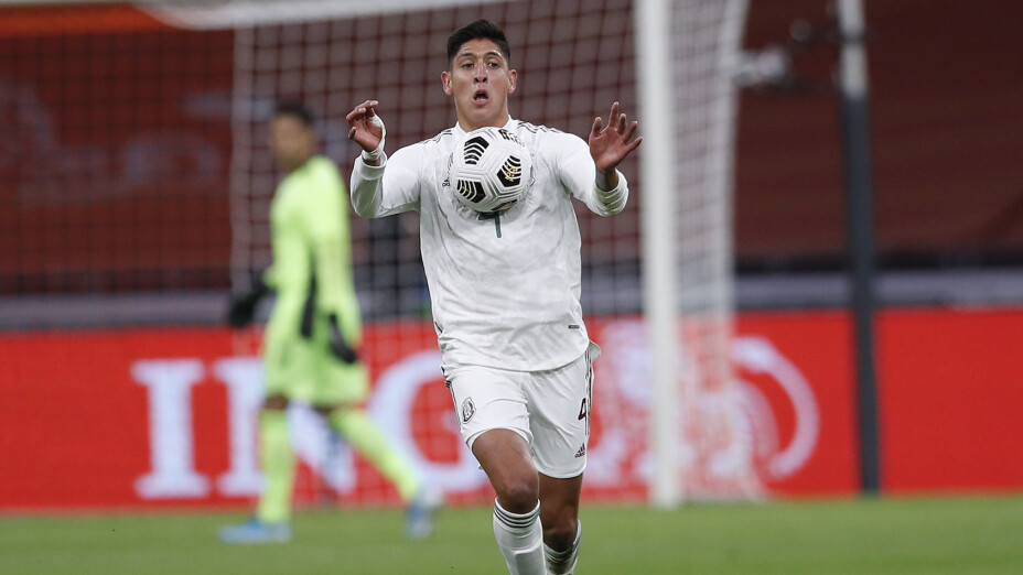 Edson Álvarez con México