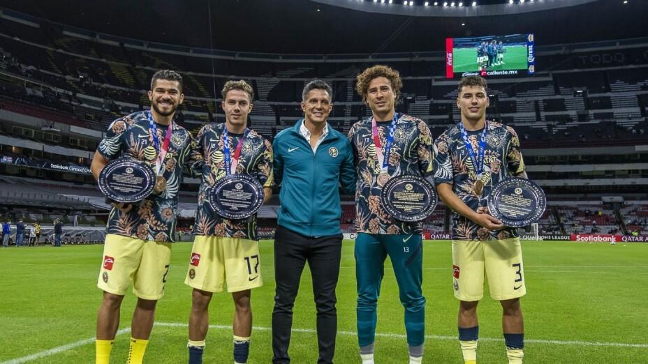 Jugadores del América reciben un reconocimiento