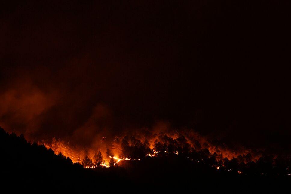 Italia arde en medio de incendios y temperaturas récord.