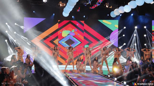 ¡La Final inició con un performance por parte de las participantes!
