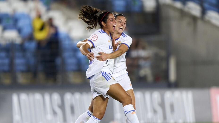 El gol de Kenti Robles en la Champions League Femenil.png