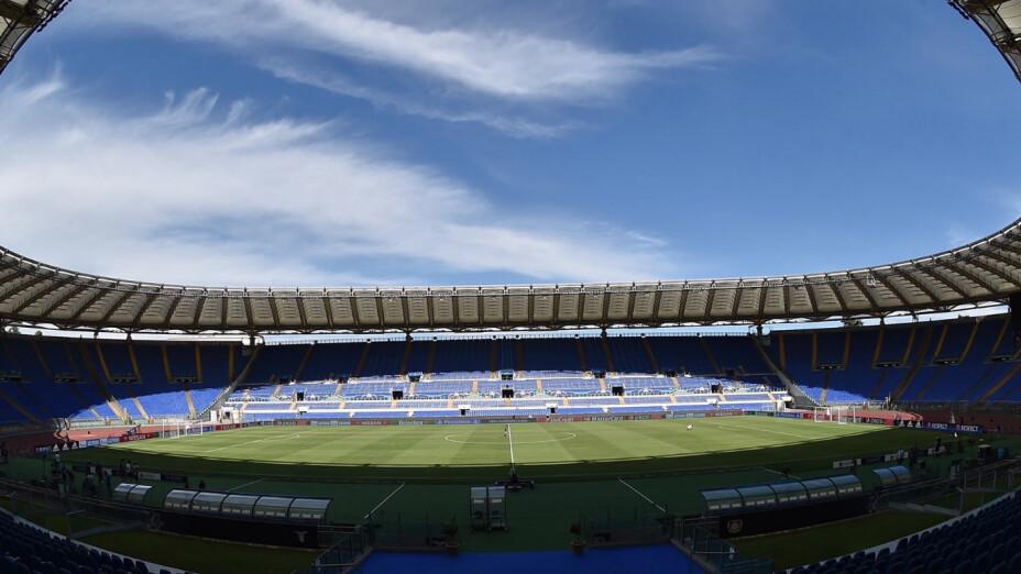 Aficionados de cartón acompañarán a la Lazio