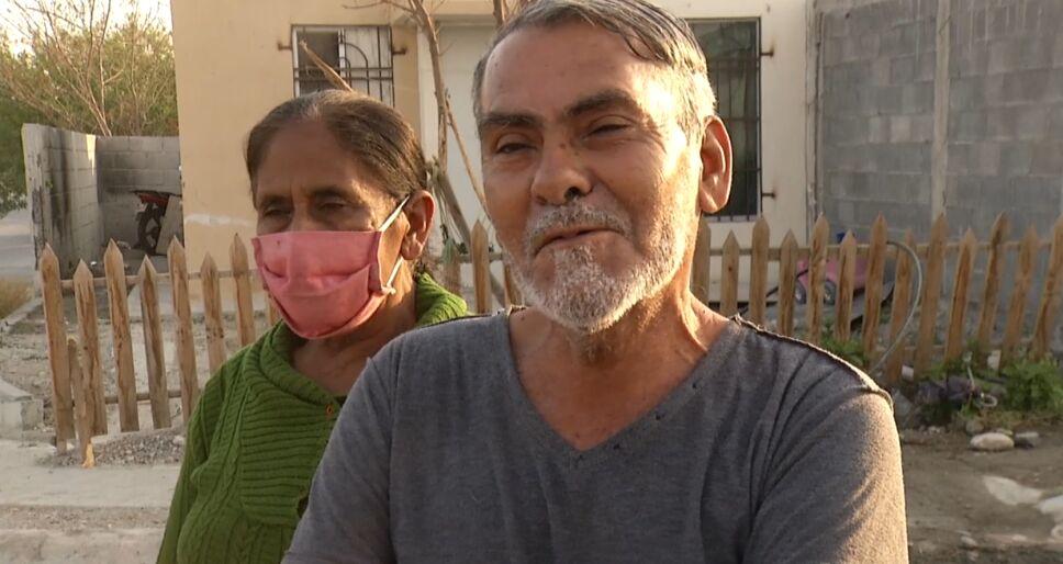 Abuelos de Sofía contentos por el regreso de su nieta.PNG
