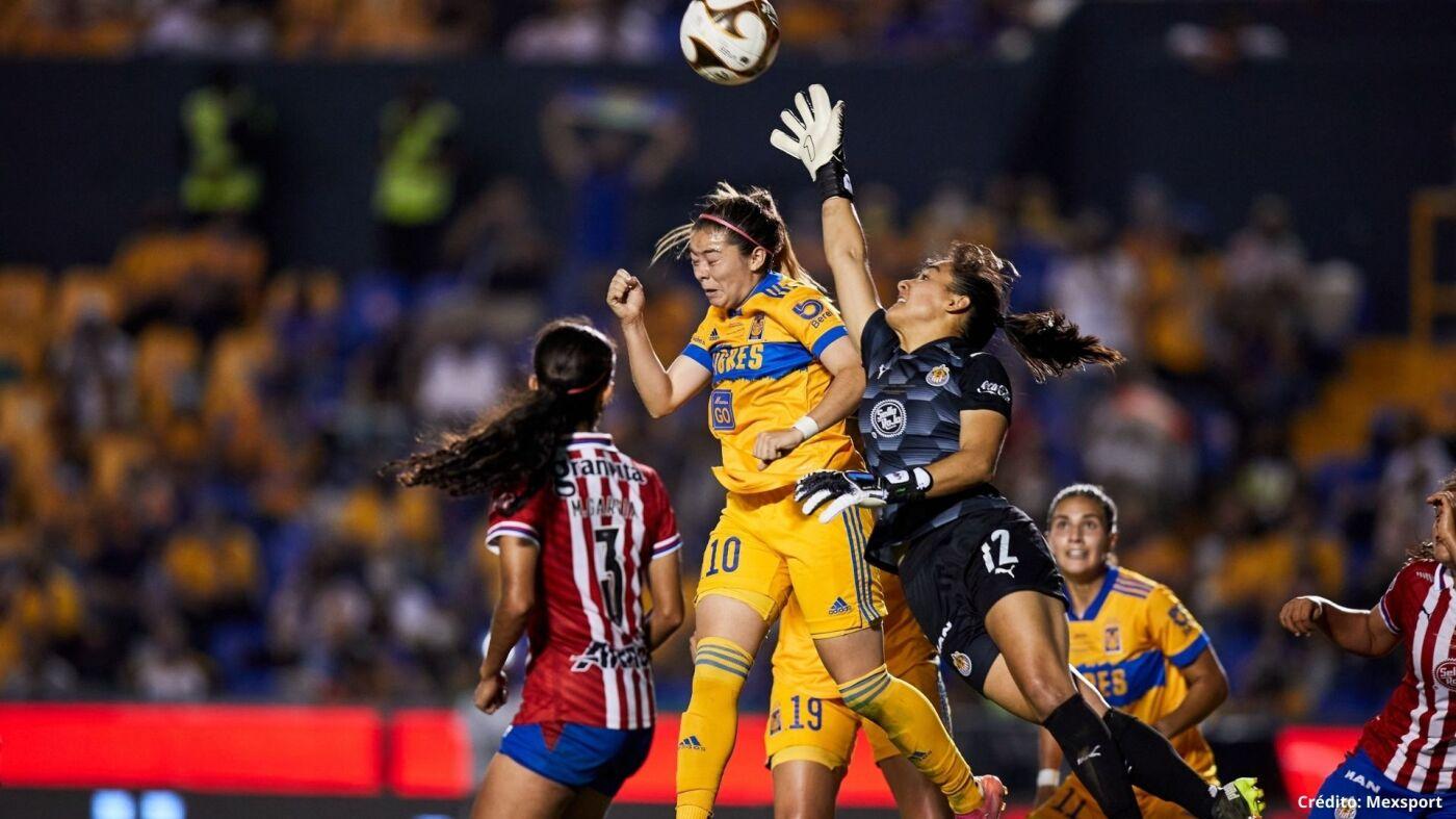 12 tigres vs chivas final liga mx femenil 2021.jpg