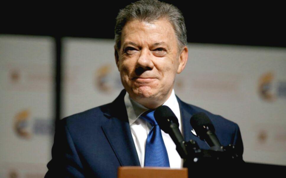 Juan Manuel Santos, el presidente de Colombia, fue reconocido con el Premio Nobel de la Paz por lograr un acuerdo histórico con las FARC.