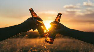 cheers-839865_1920.jpg