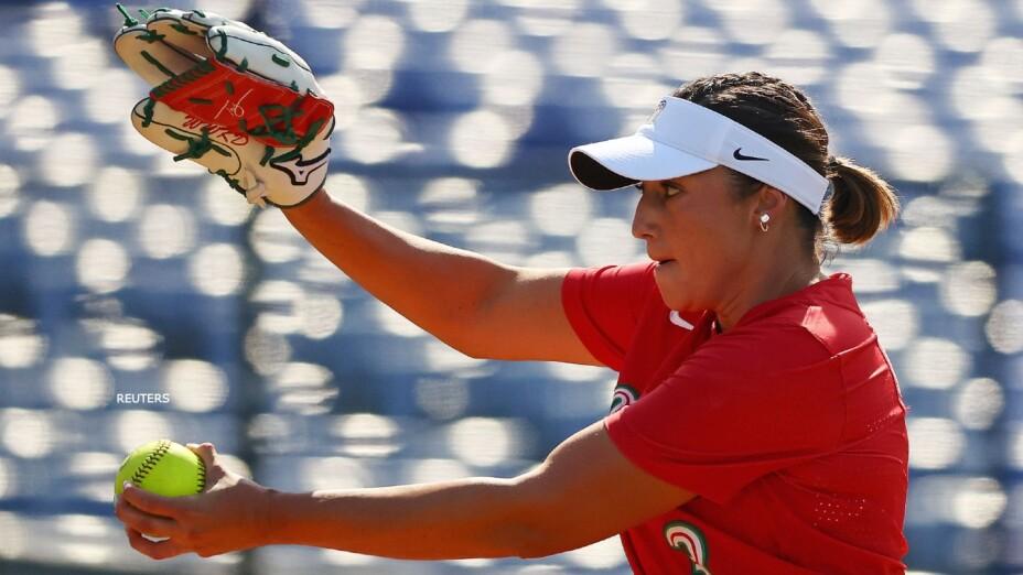 Danielle O'Toole softbol uniformes