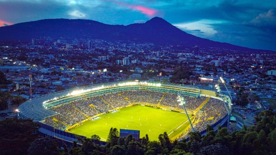 Estadio Cuscatlán.jpg