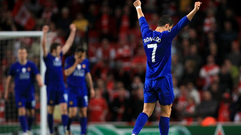 Cristiano celebra un gol con el Manchester United