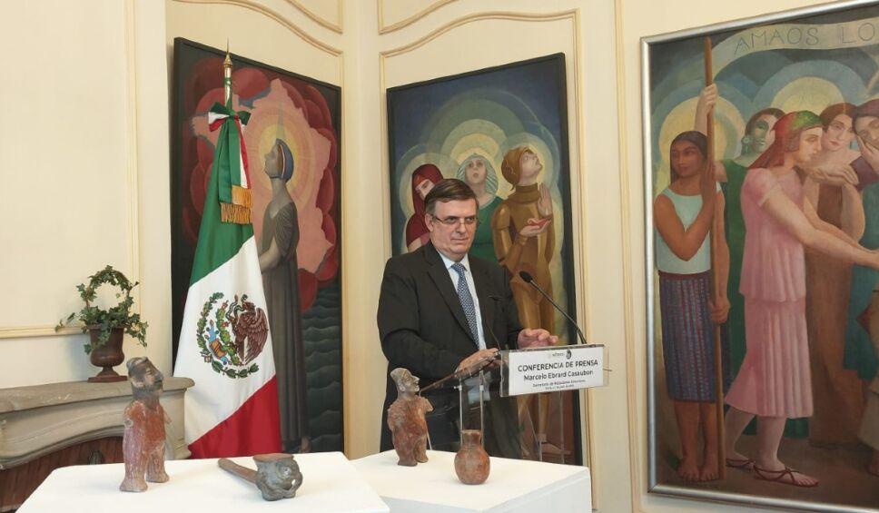 Ebrard México Francia piezas prehispánicas .jpg