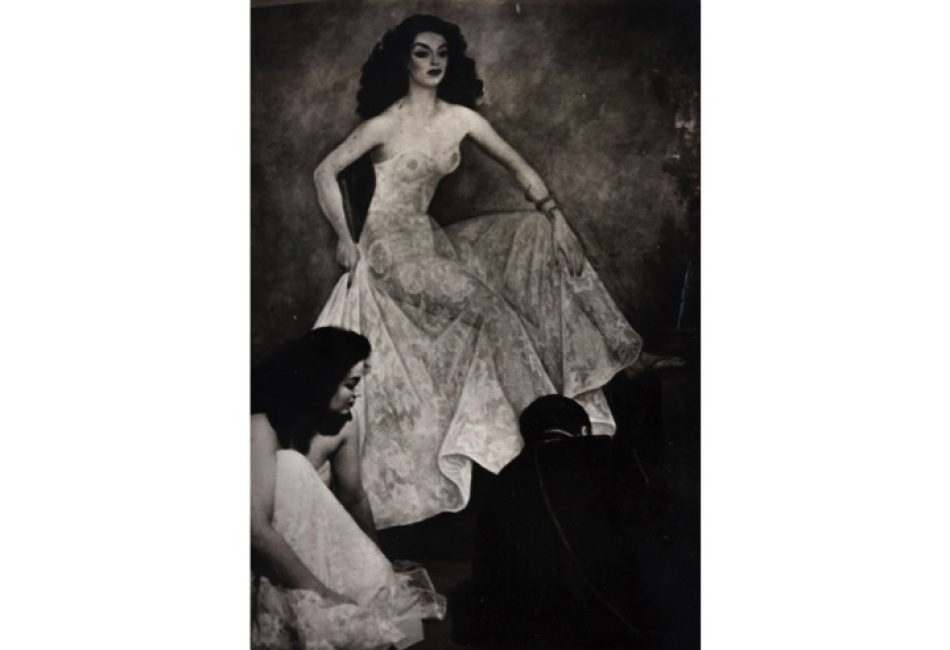 Diego Rivera y Maria Félix frente pintura de maria felix