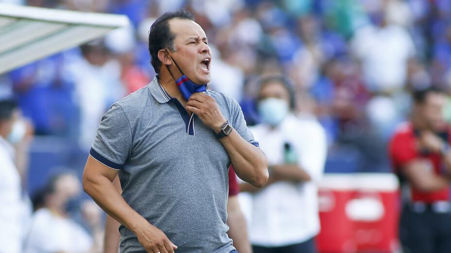 Juan Reynoso Cruz Azul Perú