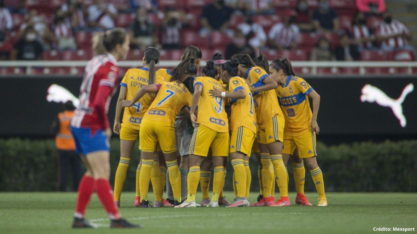 2 Chivas vs Tigres final liga mx femenil 2021.jpg