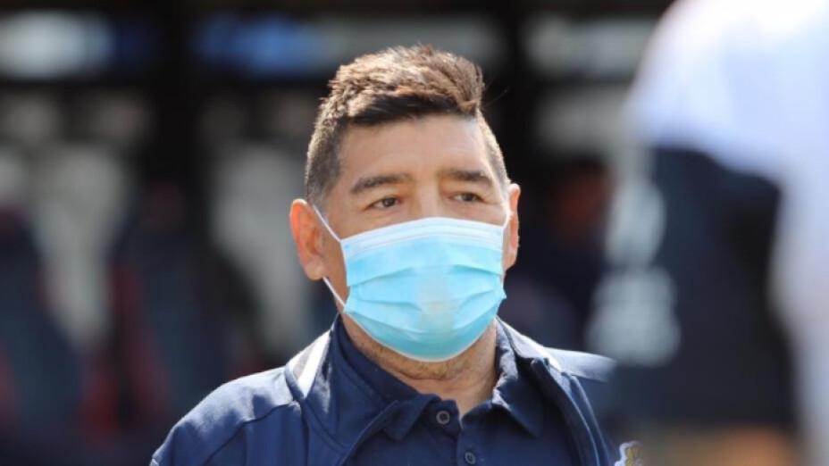 Diego Armando Maradona covid-19