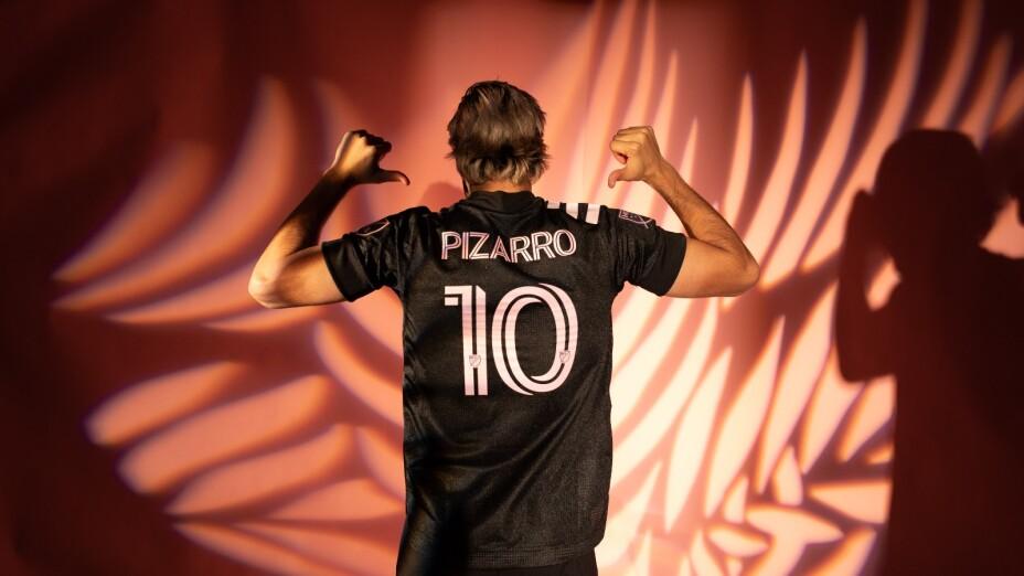 Pizarro Inter.jpg