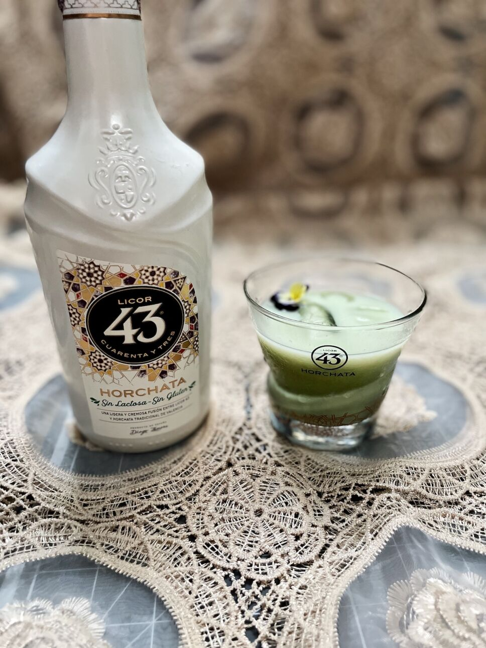 coctel con licor 43 horchata matcha