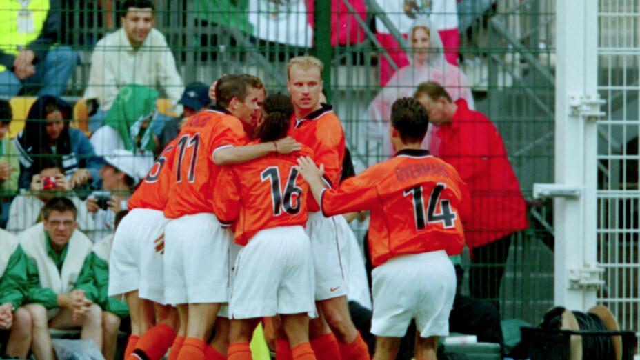 Holanda tenía una generación dorada liderada por Dennis Bergkamp y Van der Sar.