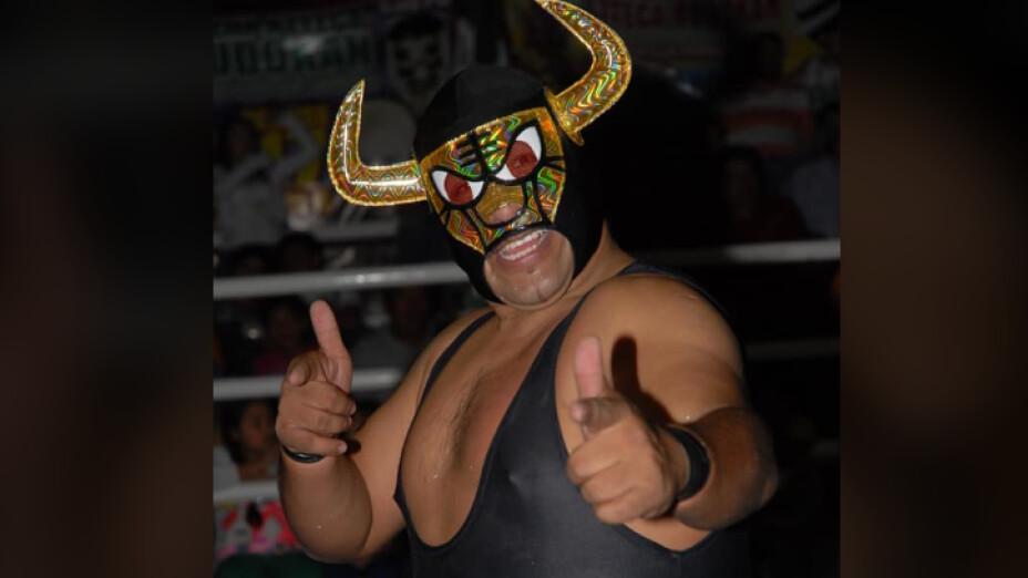 Muere el luchador Golden Bull