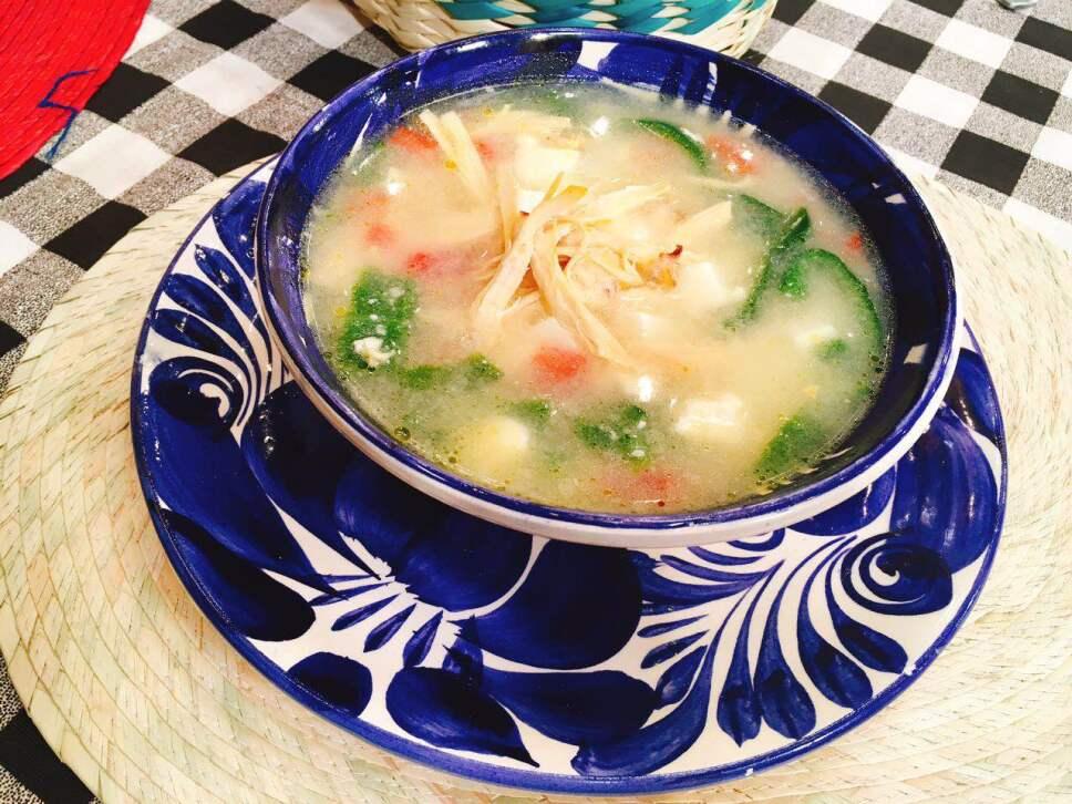 Sopa de papa con queso, cocineros mexicanos
