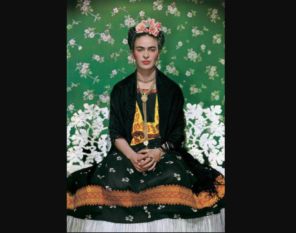 Frida Kahlo amante de los vestidos de tehuana