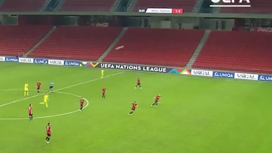 Video: El golazo de media cancha en la UEFA Nations League que le dio la vuelta al mundo