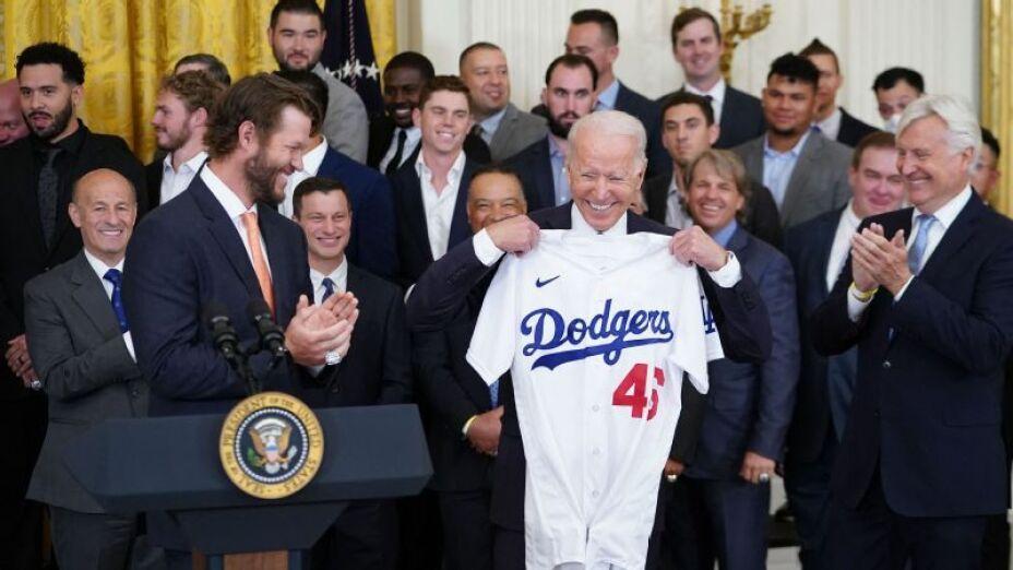Biden recibe  a los Dodgers