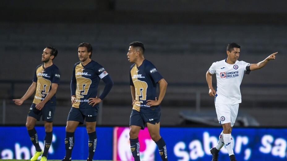 Cruz Azul golea a los Pumas