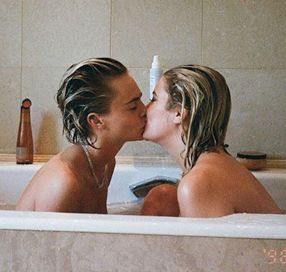 Cara Delavigne y Ashley Benson