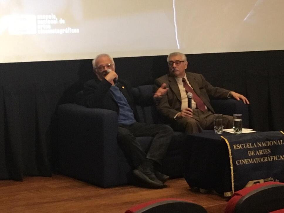 """""""Mis alumnos son mis mejores maestros"""": Roberto Mora"""