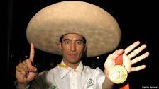 3 medallistas olímpicos mexicanos beijing pekín 2008.jpg
