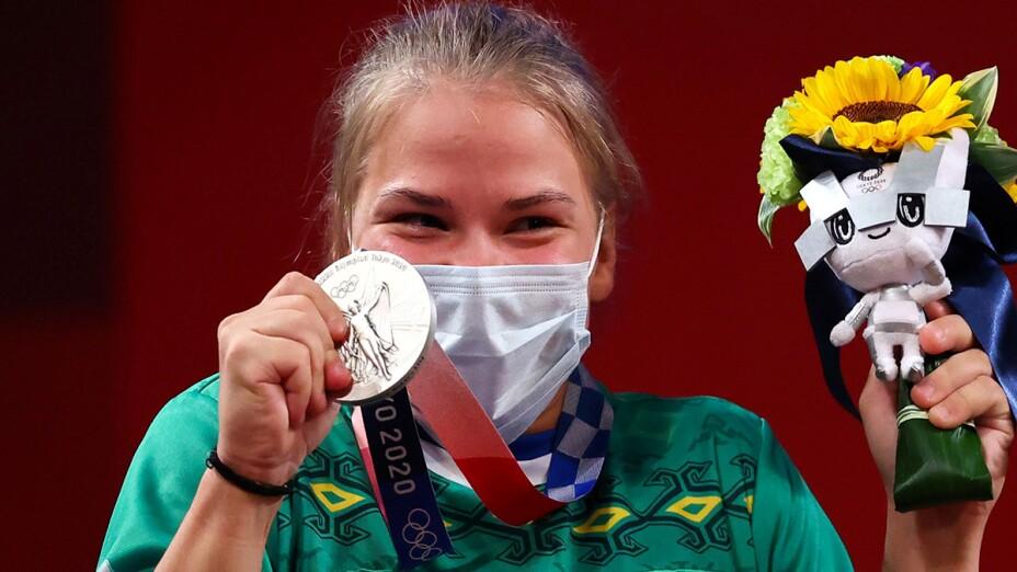 Polina Guryeva con la medalla
