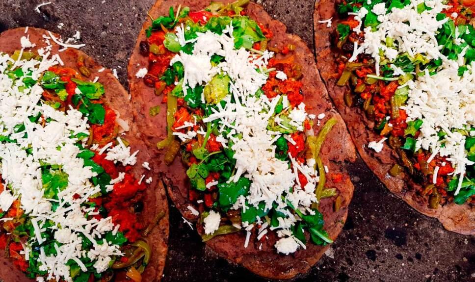 Receta Huarache con longaniza y nopales