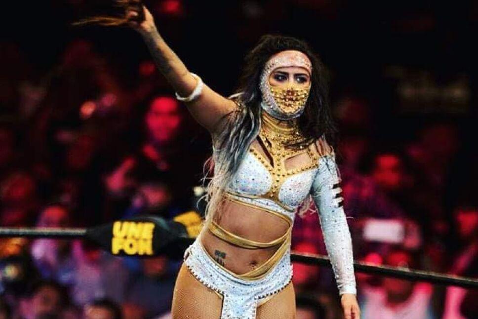 Luchadora Lady Shani