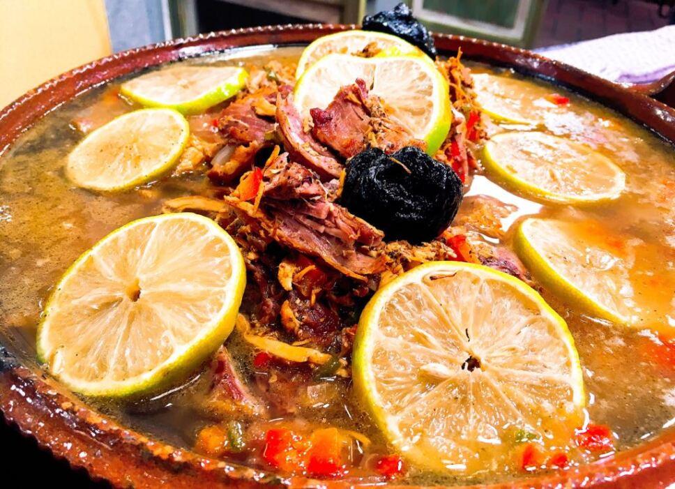 sopa de lima, cocineros mexicanos