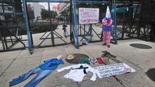 Manifestación frente a embajada de EU en repudio al ataque en El Paso Texas.jpg
