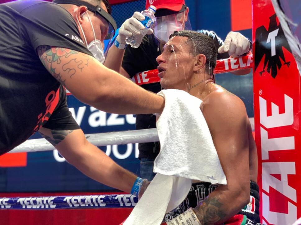 """Miguel """"Alacrán"""" Berchelt vs Eleazar """"Tronco"""" Valenzuela Box Azteca"""