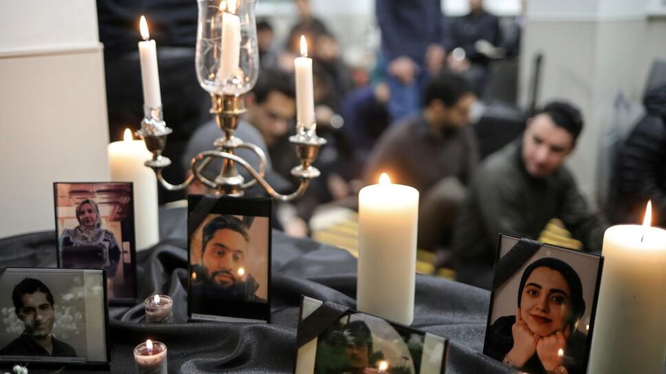 Foto de archivo. Fotografías de estudiantes que fueron víctimas del derribo del avión ucraniano en Irán