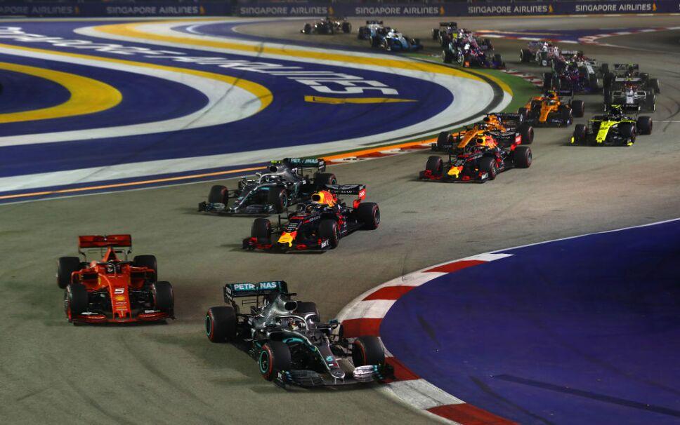 Fórmula 1 cancela carreras en Azerbaiyán, Japón y Singapur
