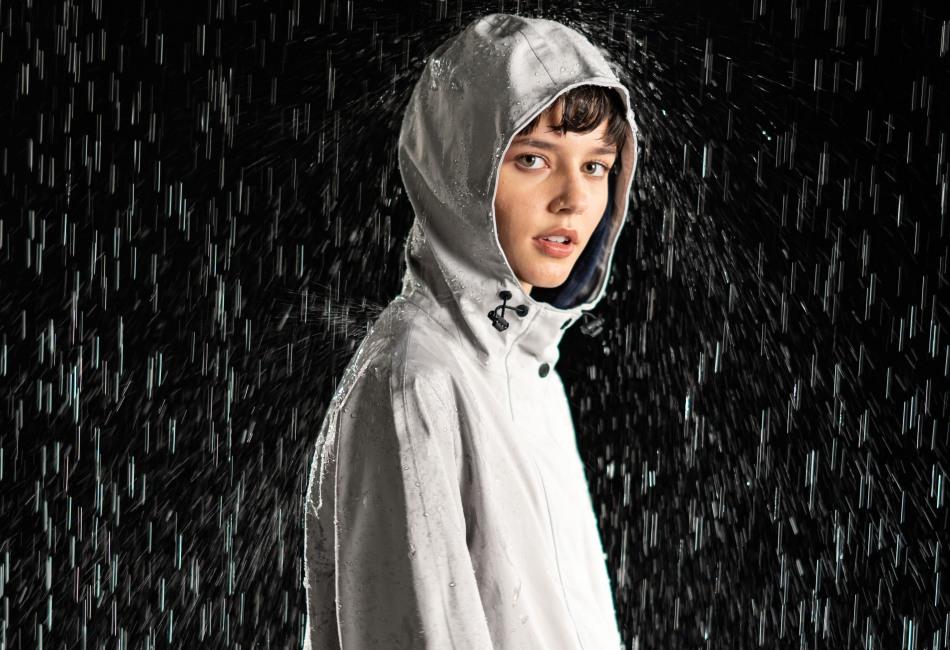 La temporada de lluvias ya está en México y cómo sabemos que necesitas prendas que te mantengan seco de pies a cabeza, te presentamos lo nuevo de Timberland.