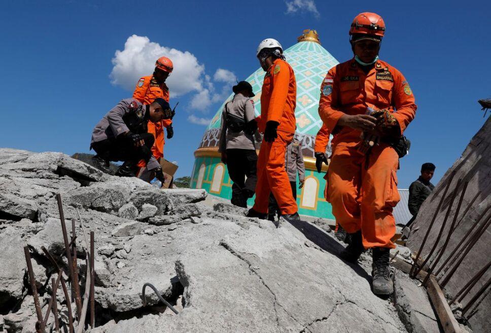 terremoto indonesia sobreviviente