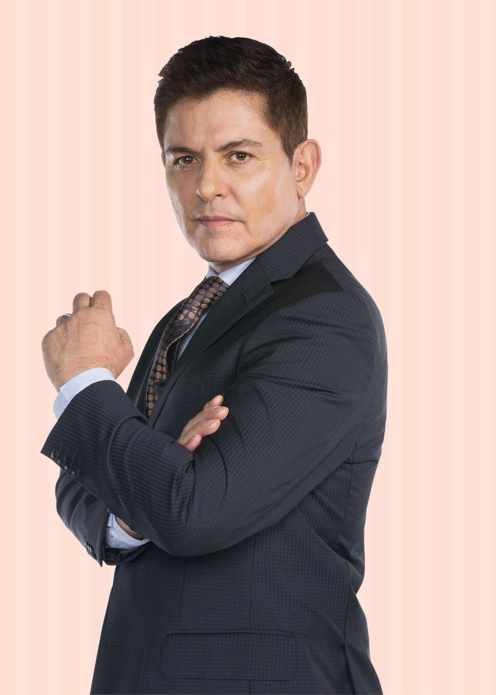 Ernesto Laguardia es Mario Espinosa en Las Malcriadas