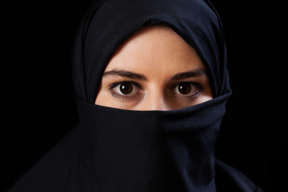 Así es la difícil vida de las mujeres bajo el control del Talibán