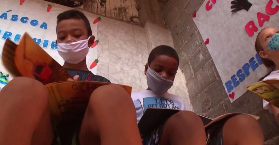 Proyecto de literatura en favelas de Brasil