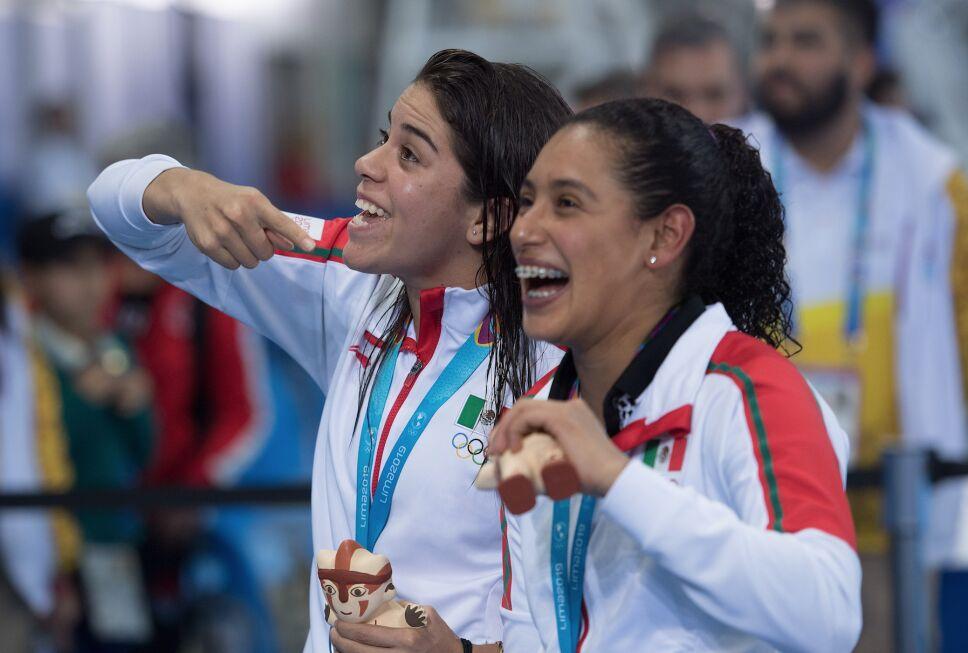 Gaby Agundez y Ale Orozco
