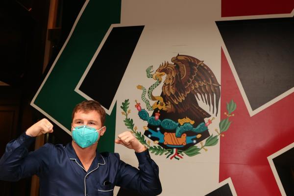 Canelo Álvarez y Avni Yildirim box azteca