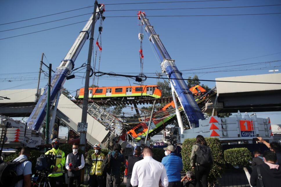 Metro accidente Línea 12 estacion Olivos.jpg