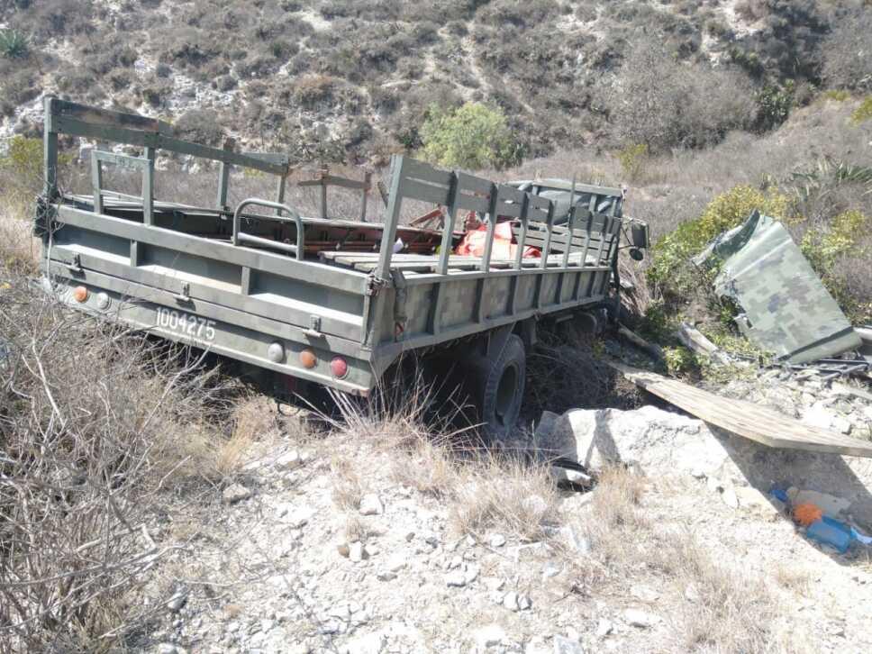 Camión de militares a barranco (1).jpeg